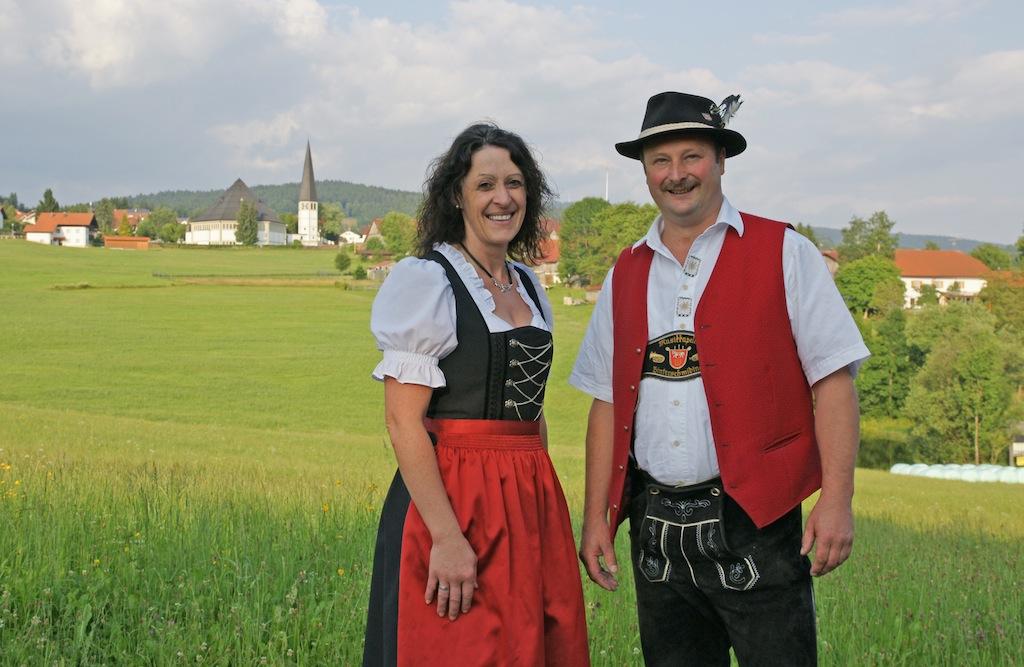 Karin Blöchl (Gesang), Michael Schwarz (Kapellmeister, Gesang)
