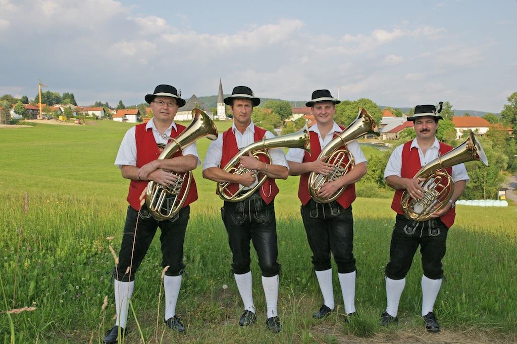 (Herbert Poxleitner, Klaus Paulik), Thomas Krückl, Werner Manzenberger  nicht im Bild: Michael Gibis